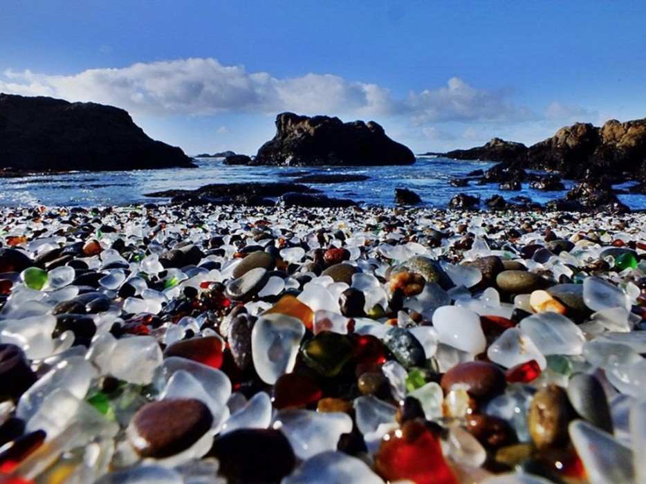 Originally a dumpsite, the incredible beach in Fort Bragg, California was restored in the 60's by the environmental clean-up program that was set up to clean debris.