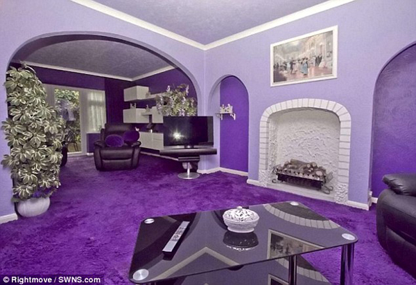 With the right concept in mind, purple doesn't have to look plain and boring--that's what we can learn from this home's relaxing and luxurious vibe.