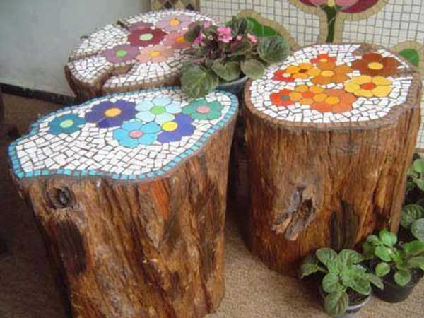 Put that good old tree trunk into good use by unleashing your imagination and creating a mosaic out of your old wood.