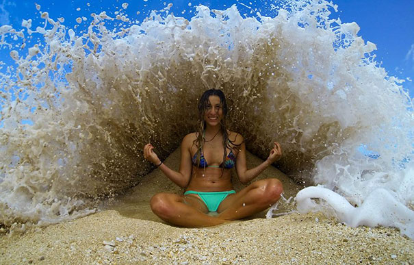 Perfectly Timed Photos Youd Struggle To Believe Are Real - 26 unfortunately timed photographs