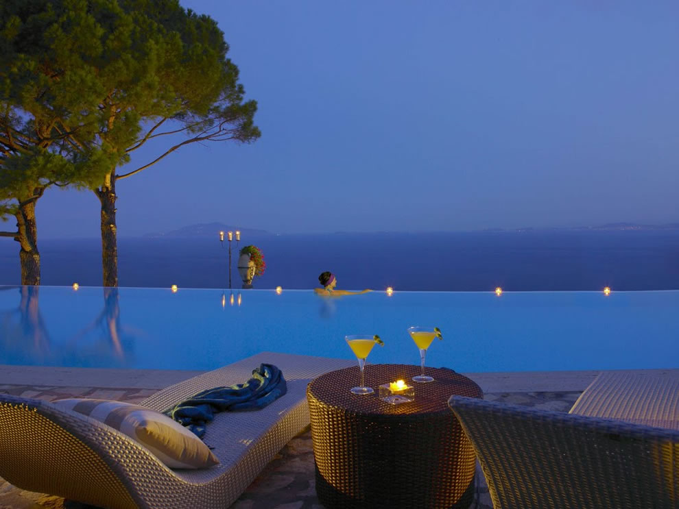 Cliffside-Infinity-Pool-at-Hotel-Caesar-Augustus-Italy