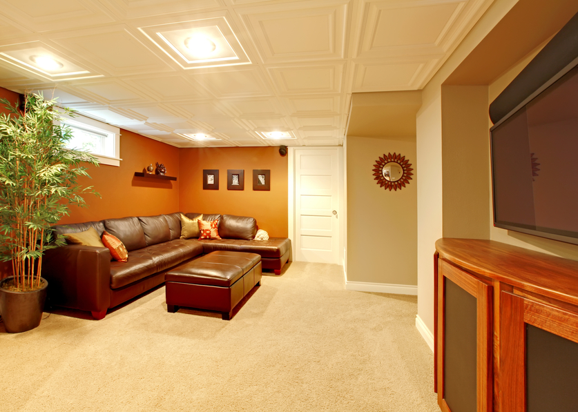 This is a simple basement design that won't cost too much money at all – yet it looks good, is functional and is very comfortable.