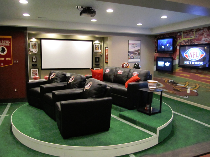 This is one of the most popular man cave concepts on our site