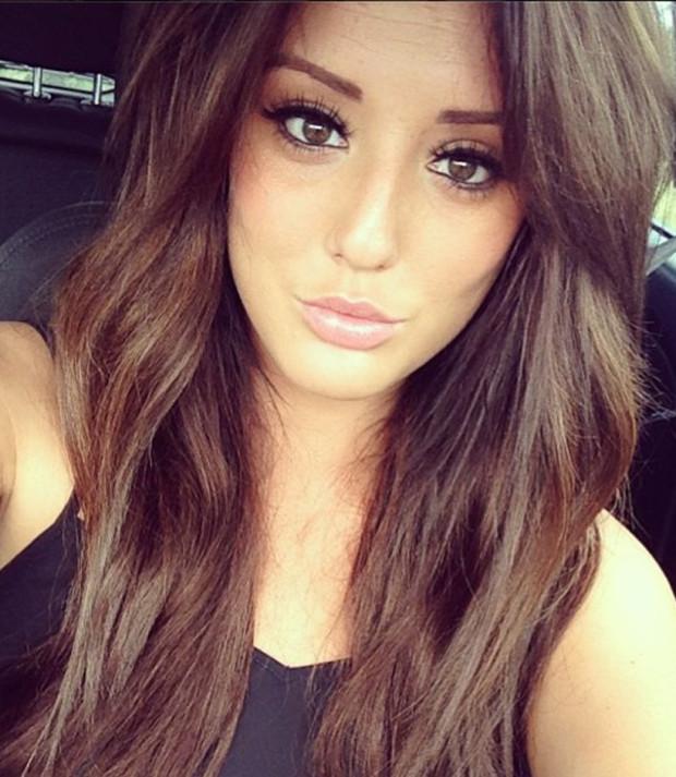 charlotte-crosby-geordie-shore-car-selfie_620x713