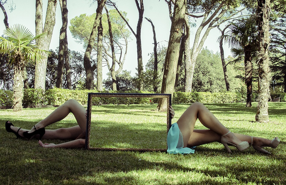 Amazing-Illusions-Created-Using-a-Mirror-5