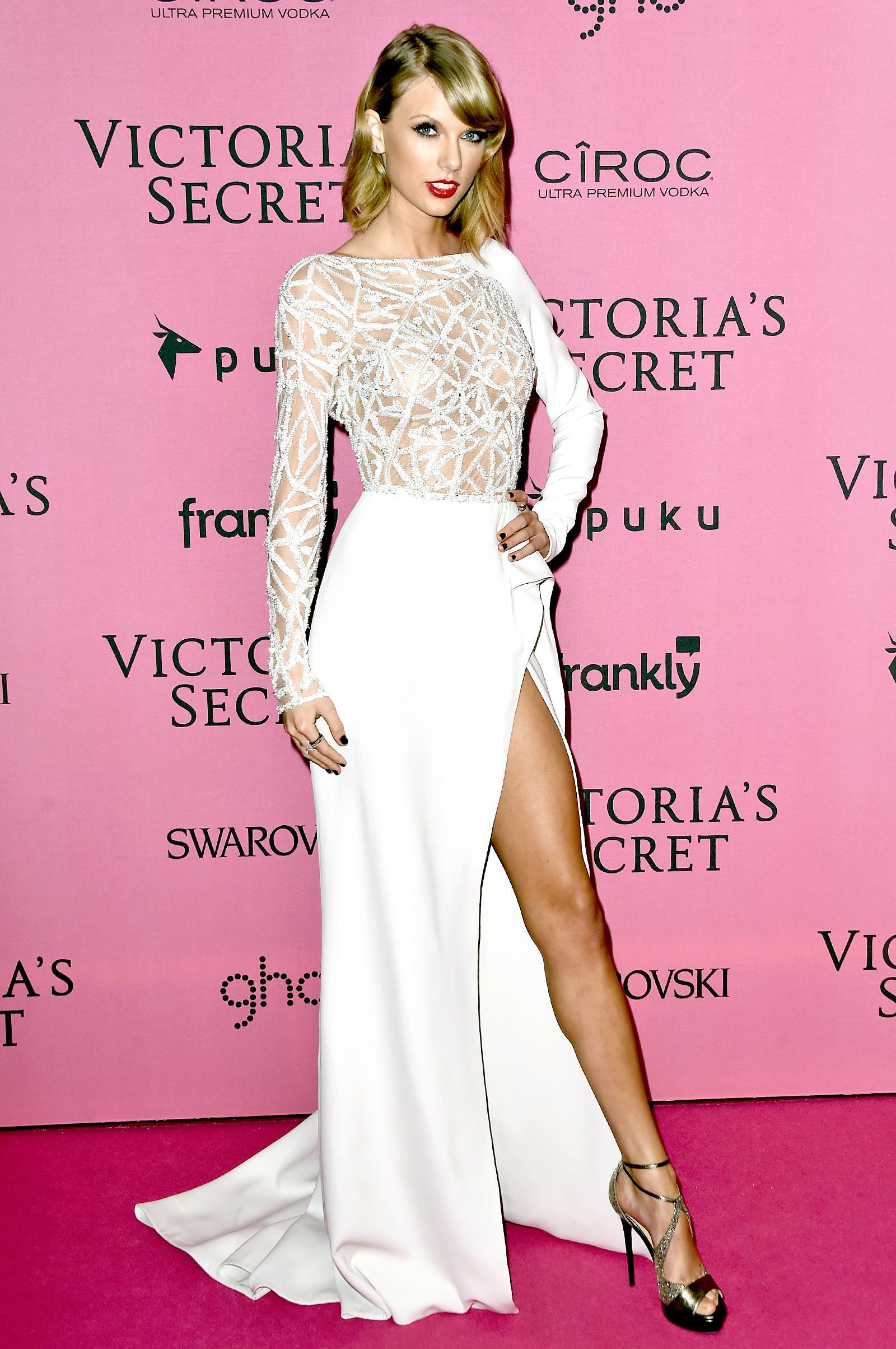 A Beautiful Gallery Of Taylor Swift 39 S 40 Million Legs