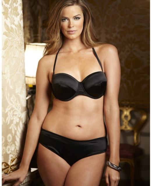 Batch 1- Bust It Open- Plus Size Models are What's Sizzling Today- Robyn Lawley