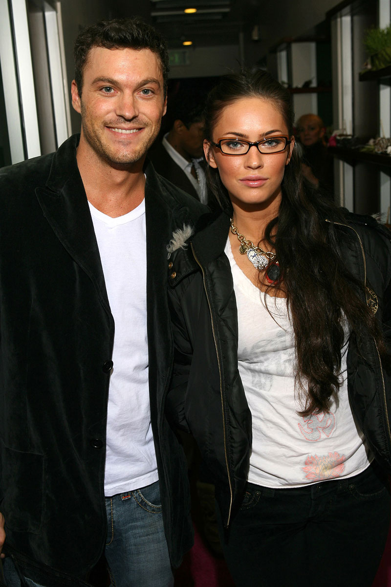 Brian Austin Green and Megan Fox Sonya Dakar Adwil 2007 Oscar Beauty & Gifting Lounge - Day 3 Los Angeles, California United States February 22, 2007 Photo by Michael Bezjian/WireImage.com To license this image (12875706), contact WireImage: U.S. +1-212-686-8900 / U.K. +44-207-868-8940 / Australia +61-2-8262-9222 / Germany +49-40-320-05521 / Japan: +81-3-5464-7020 +1 212-686-8901 (fax) info@wireimage.com (e-mail) www.wireimage.com (web site)