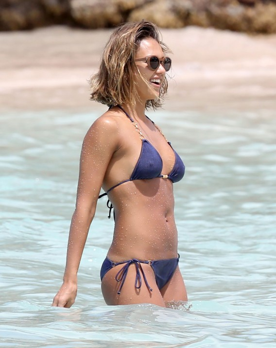 20 Gorgeous Celebrities With The Best Beach Bodies