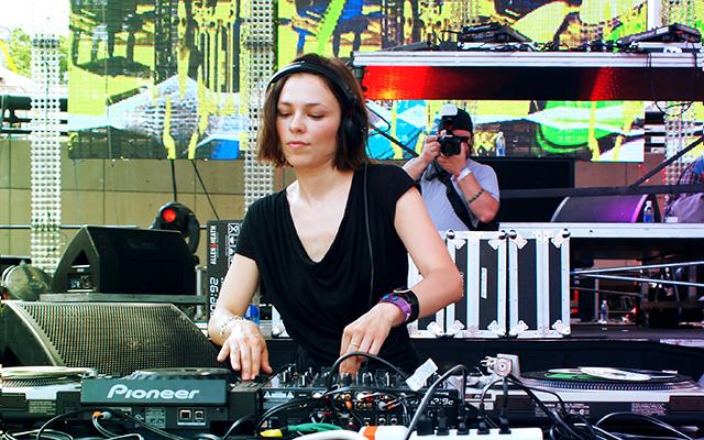 Batch 4- 10 Female DJs Who Can Move Your Feet- Nina Kraviz