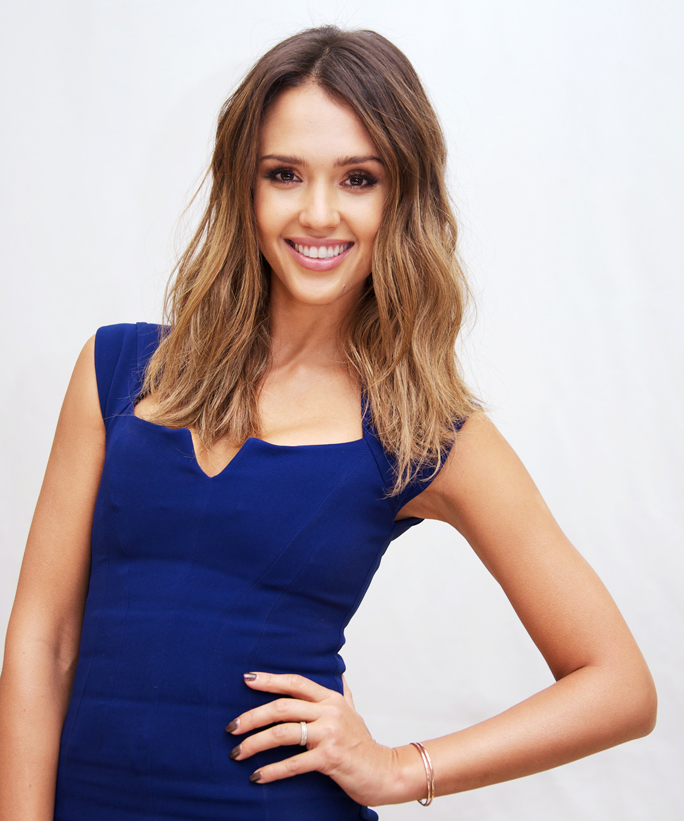 Batch 4- 15 Sizzling Celebrity Mothers Who Can Still Rock It- Jessica Alba