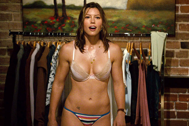 Batch 4- 15 Sizzling Celebrity Mothers Who Can Still Rock It- Jessica Biel
