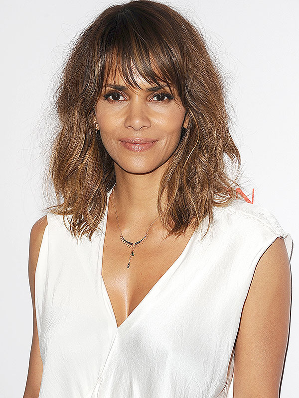 Batch 4- 17 Celebrities Today Who Used to Be Homeless- Halle Berry