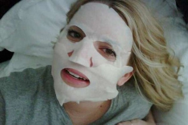 Batch 4- Selfie Mania- 15 Celebrities Who Did It Wrong- Jessica Simpson