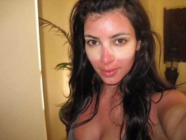 Batch 4- Selfie Mania- 15 Celebrities Who Did It Wrong- Kim Kardashian