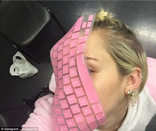 Batch 4- Selfie Mania- 15 Celebrities Who Did It Wrong- Miley Cyrus