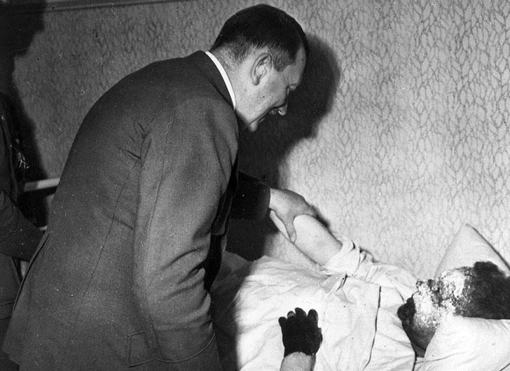 11. Meeting Hitler