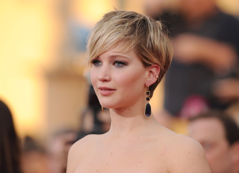 Here Are 12 Hairstyles That Will Make You Look 10 Years Younger