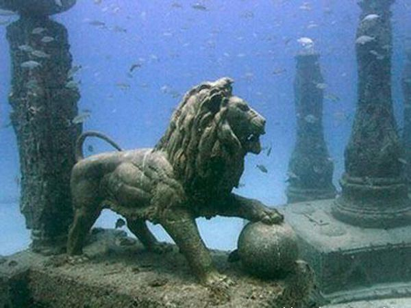 18 Underwater Discoveries Too Bizarre to Believe - Page 4 ...