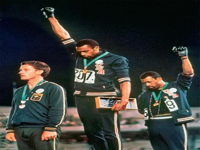 001--18-the-black-power-salute-in-1968-208189
