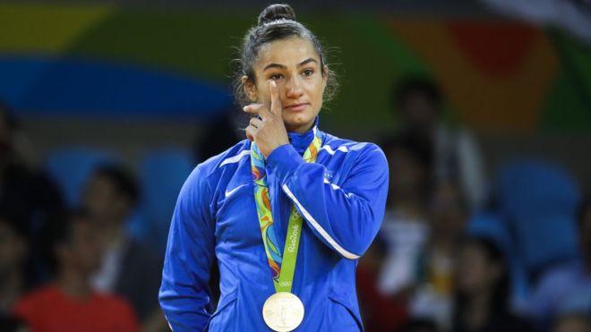 005--14-kosovo-picks-up-first-ever-medal-at--243921