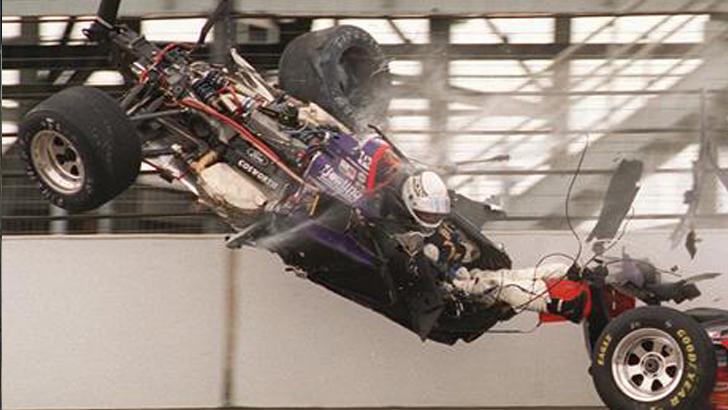 1473205351589-indy-500-crash-1473103990468