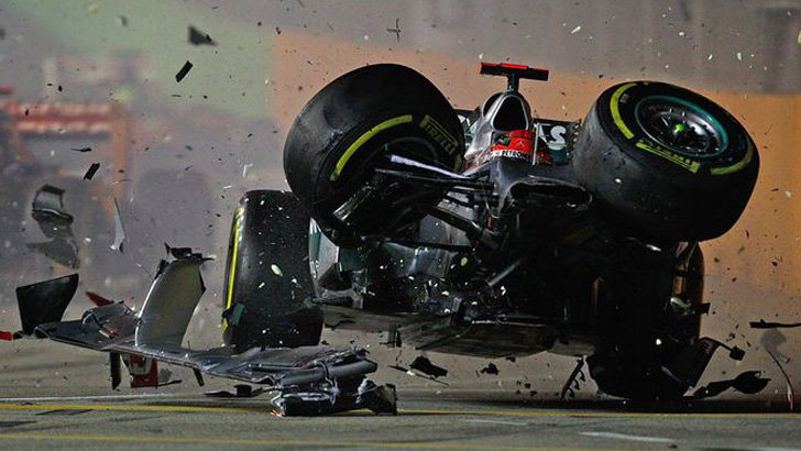 1473205353133-michael-shumacher-ferrari-crash-1473104313310