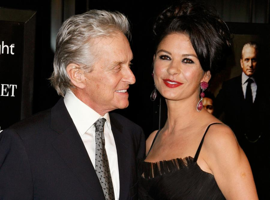 005--14-michael-douglas-and-catherine-zeta-j-64e501dbcebf6c322e290464d5df904a