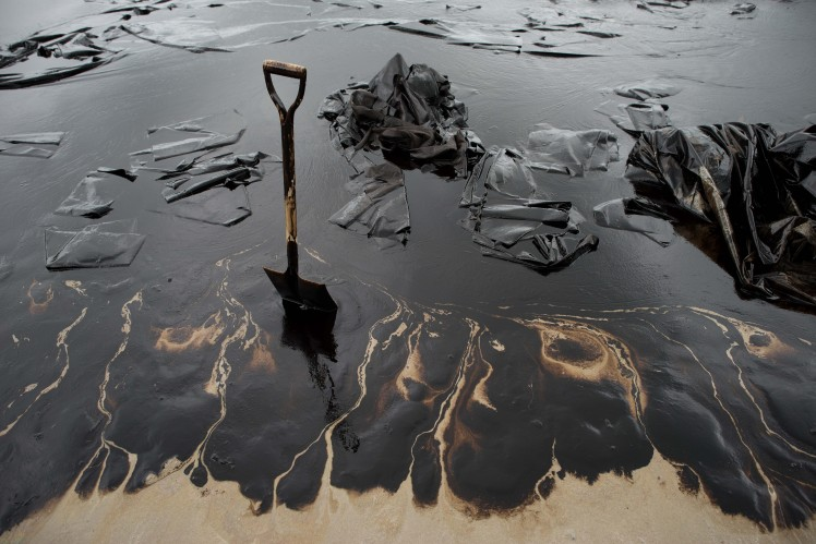 006--7-massive-oil-spills-498571