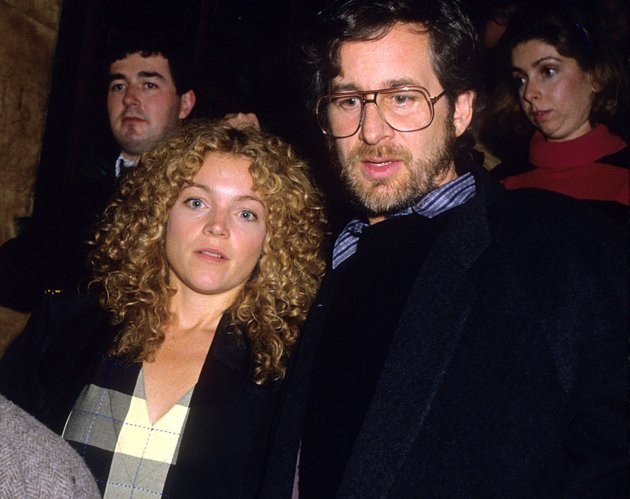 008--11-steven-spielberg-and-amy-irving-247135