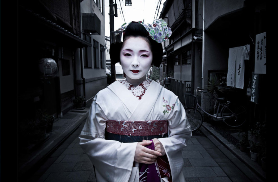 011--8-a-beautiful-geisha-52ab7c6c0d01b4428917a495323624b8