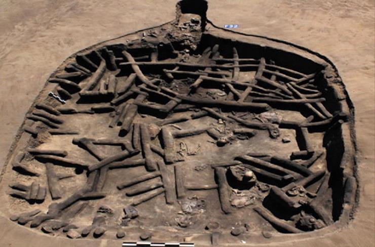 012--4-scattered-bones-448182