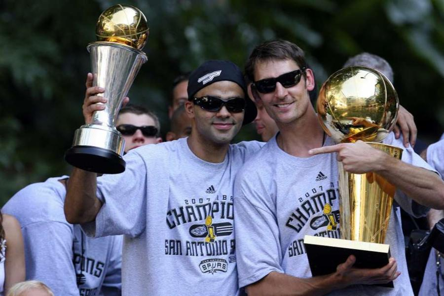 001-tony-parker-and-brent-barry-d45524db3b92b8c740d9454713d76a24