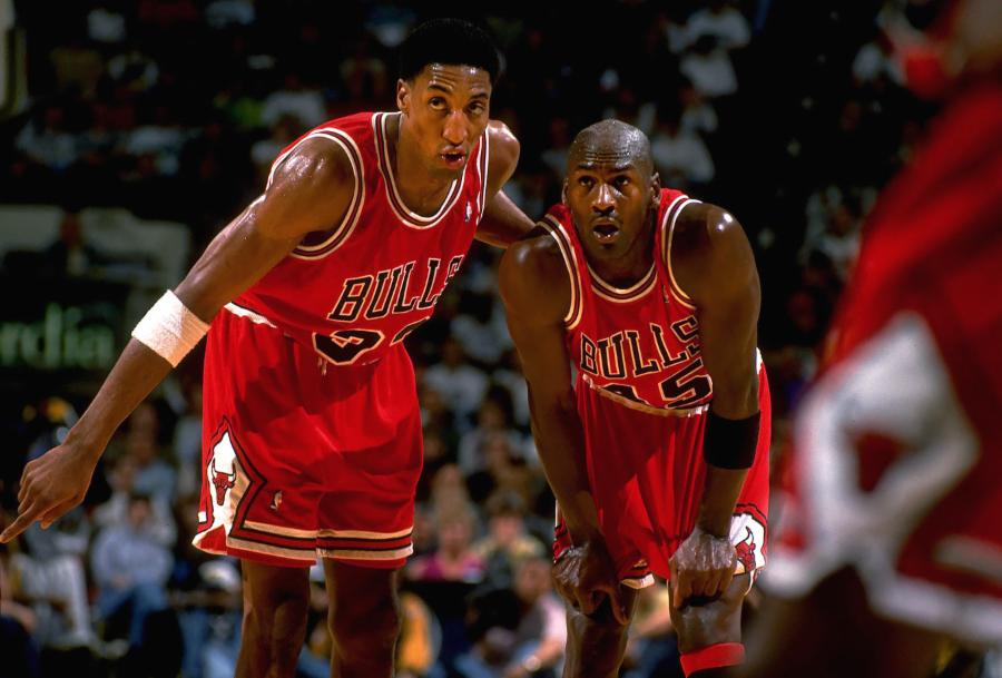 009-michael-jordan-and-scottie-pippen-e3091e9036b02095409e3e31f2c69012
