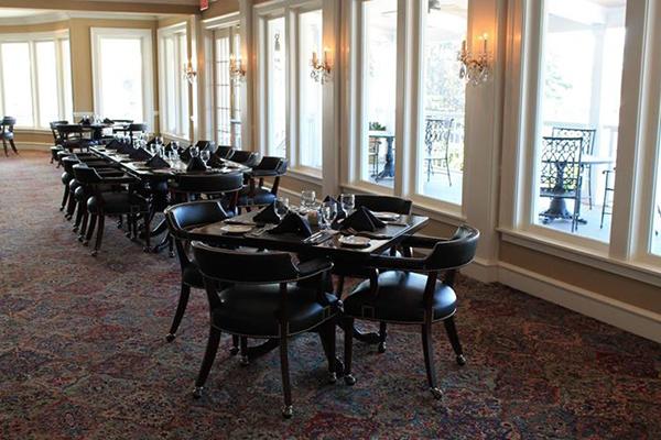 010-03-trump-s-dining-room-667154