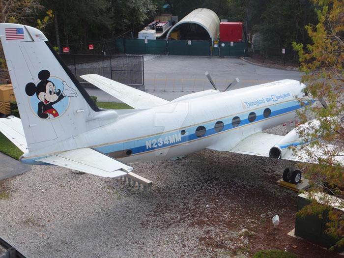 011-2-walt-disney-s-plane-641265