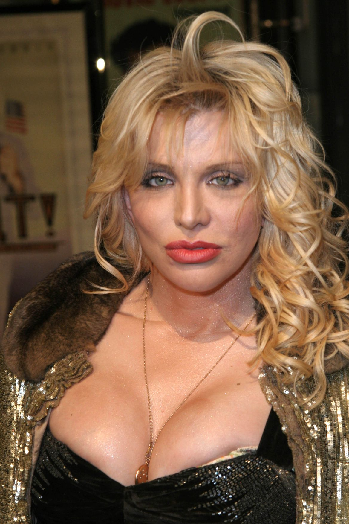 courtney love gold digger