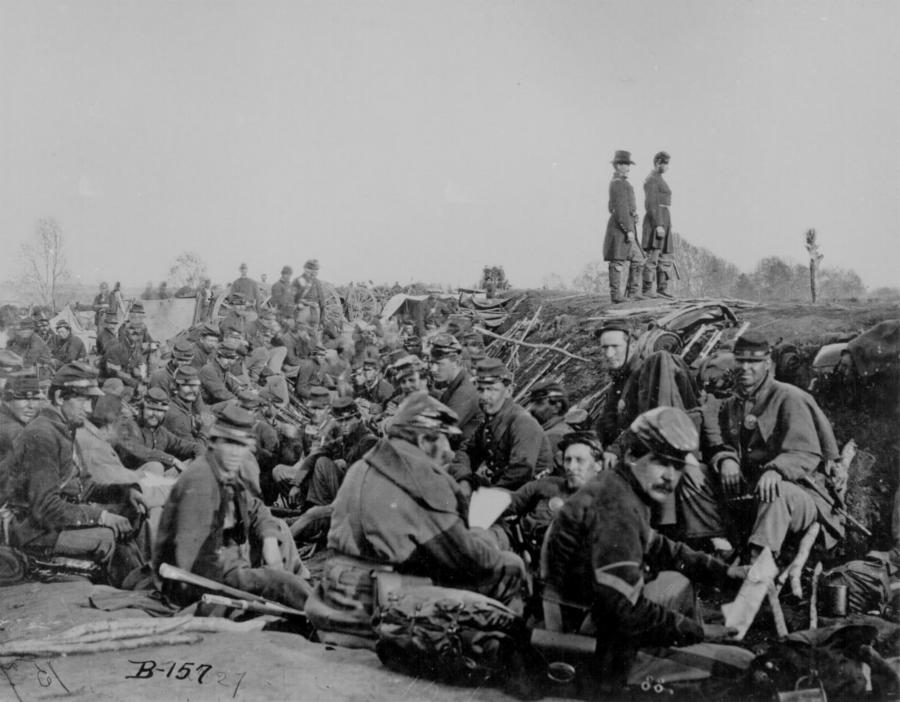 013-2-entrenched-union-soldiers-2bf71657f3773e426d9aa5ee1c7df3b5