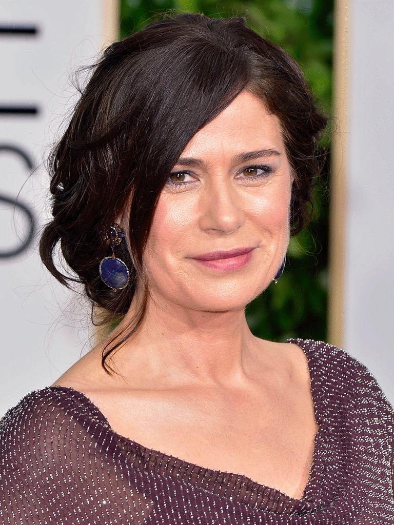 002-11-maura-tierney-turned-a-setback-into-a-1037304