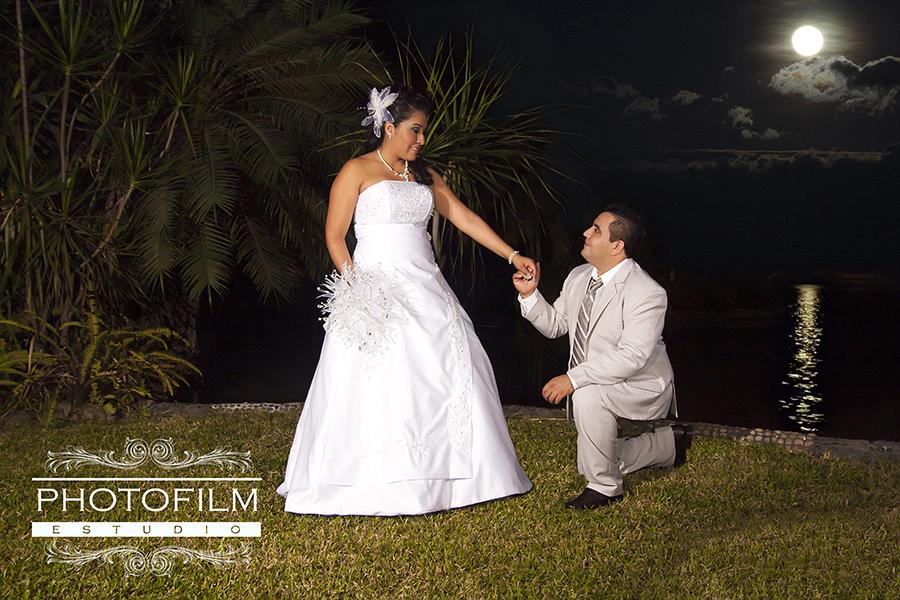 12938486515_7db9053dcf_b_beautiful-bride-photos
