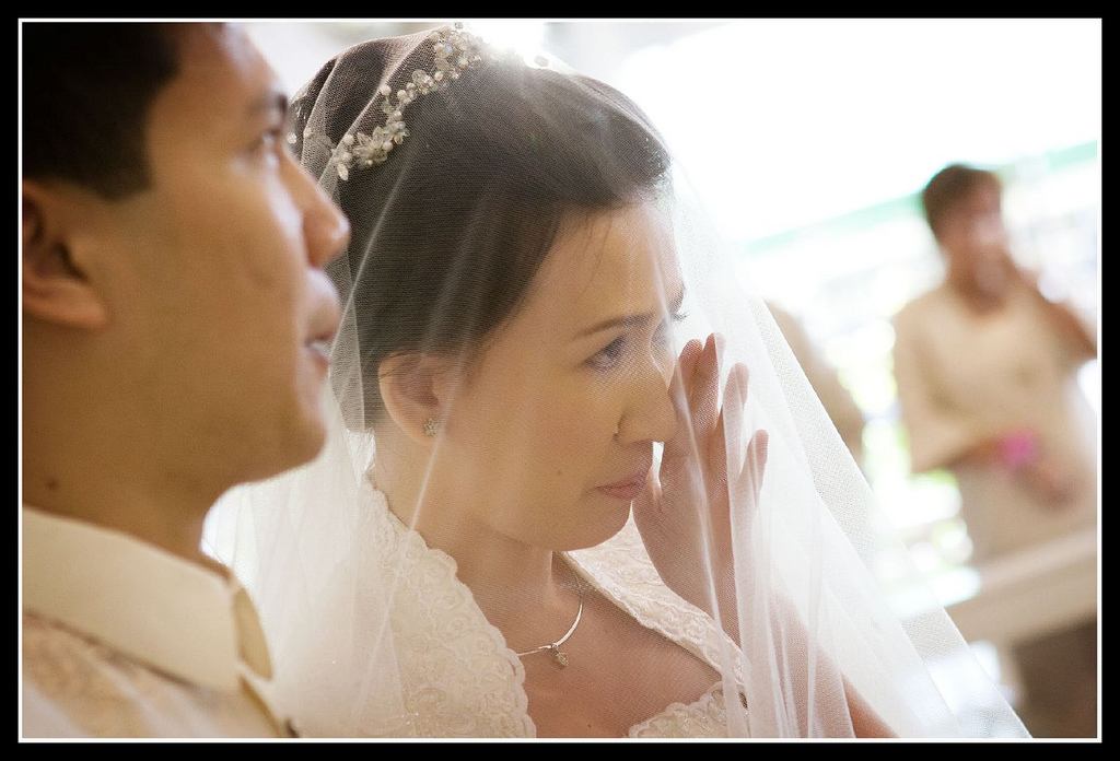 2225238238_858689cdd1_b_crying-brides-photos