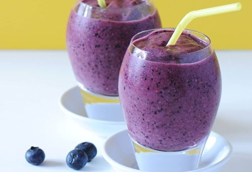Fruity smoothie by Kristin
