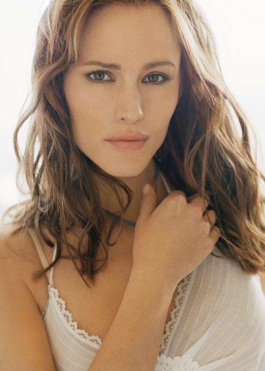 Who doesn't love Jennifer Garner? This Hollywood beauty has played roles that have empowered women all over the globe.