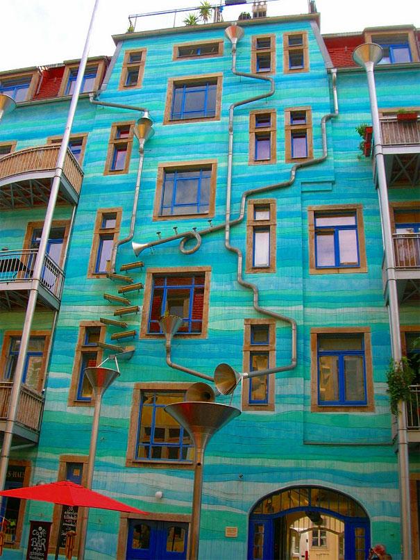 Musical Wall When it Rains