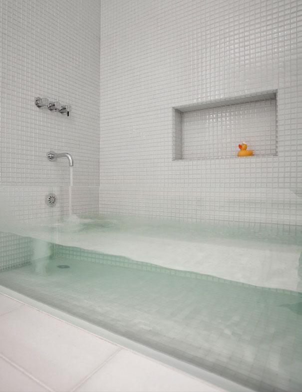 See-through Bath Tub