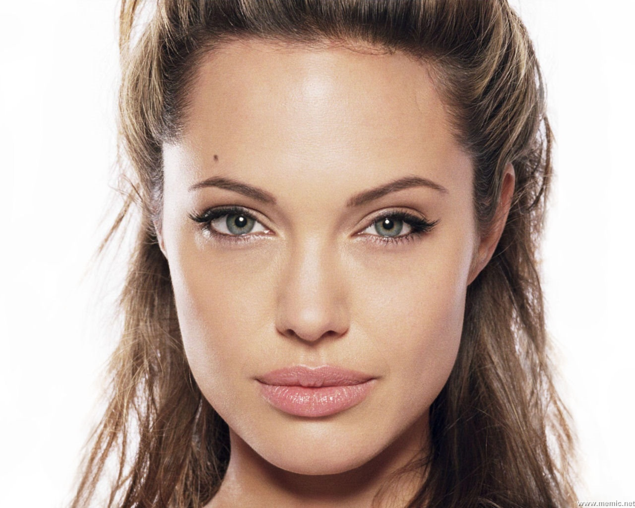 Angelina-Jolie-wallpapers