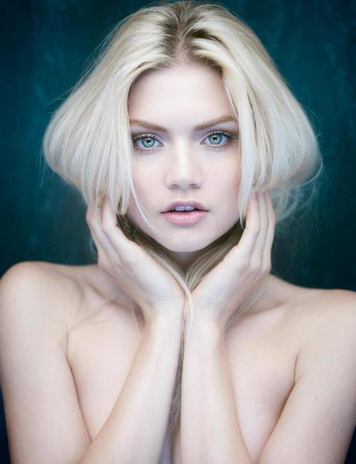 Louise Ropagnol Nude Photos