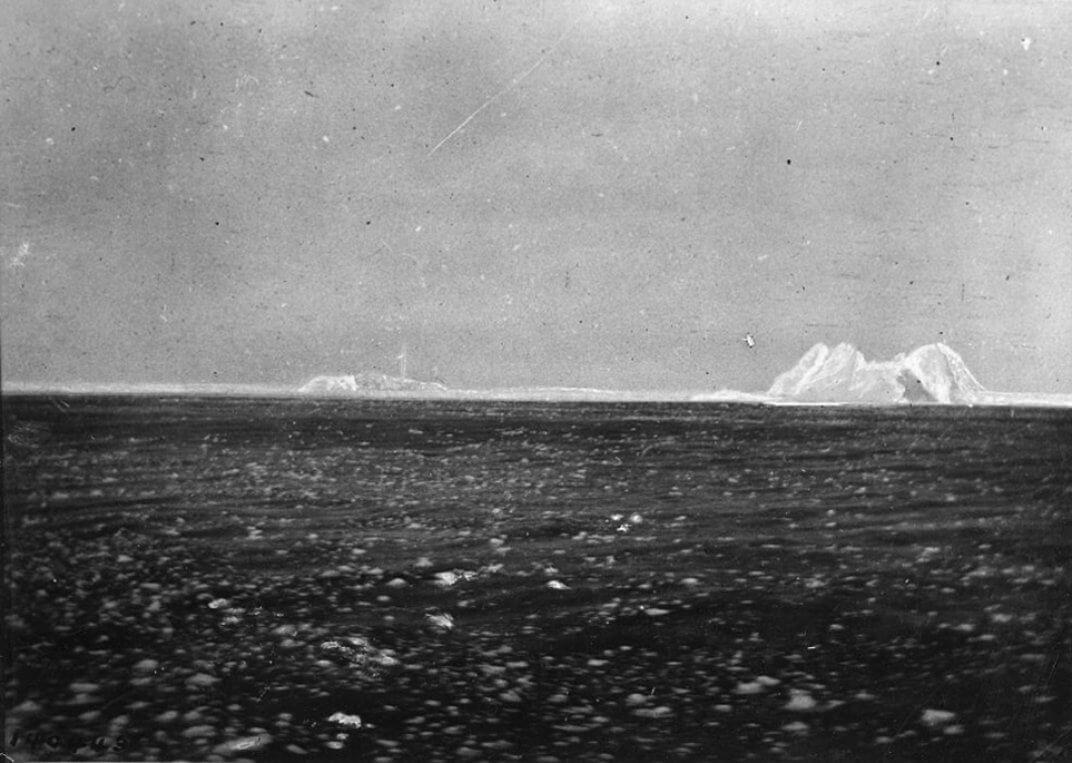 12 Real Images Of The Titanic Sinking That Ll Give You Chills