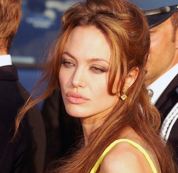 003--16-angelina-s-past-370859