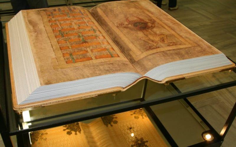 009--10-the-codex-gigas-261139